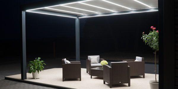 Pergola Klimalux z oświetleniem nocą